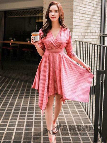 粉红大布娃娃女装2018秋冬新款时尚气质淑女中长款收腰翻领风衣外套