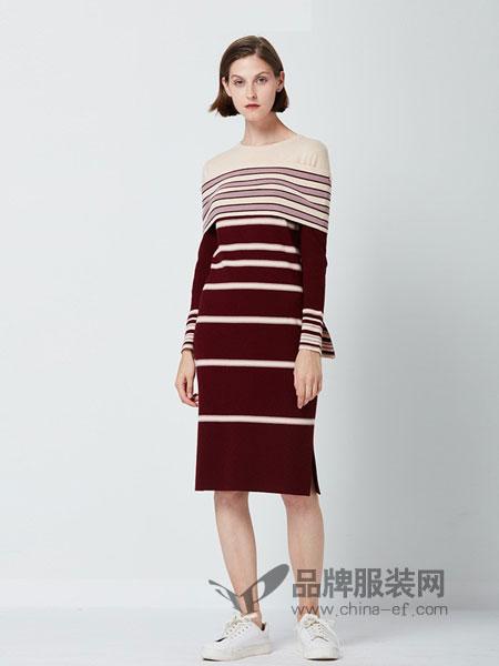 itMICHAA女装2018秋冬条纹显瘦喇叭袖连衣裙