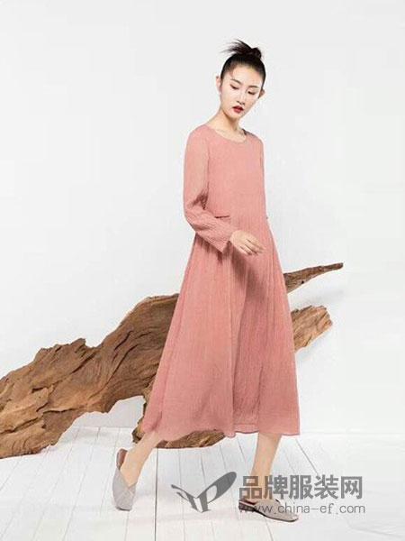 MOING莫名女装2018秋冬新款后背荷叶边风衣
