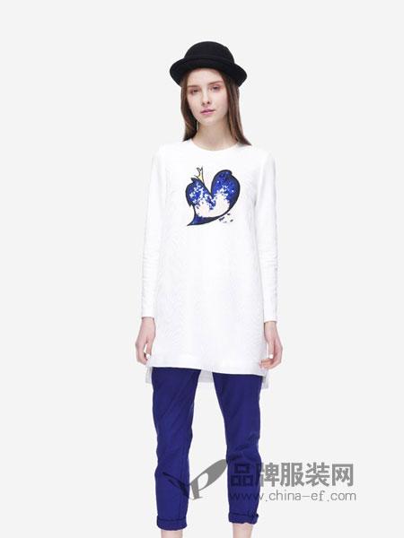 圣卡萝女装2018秋冬新款圆领卡通印花百搭长袖T恤女衫