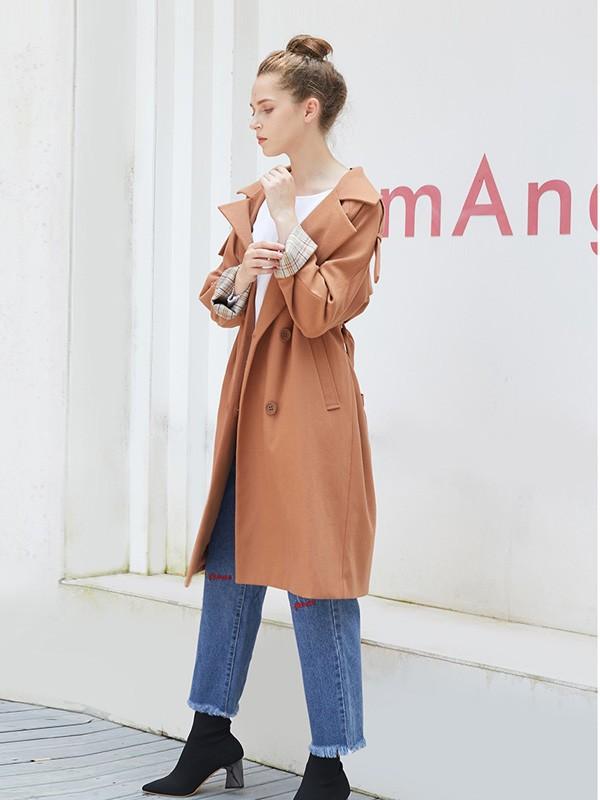 萨达纳女装2018秋冬 收腰修身中长款外套