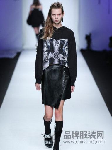 7CRASH女装文艺范欧美卫衣皮裙套装