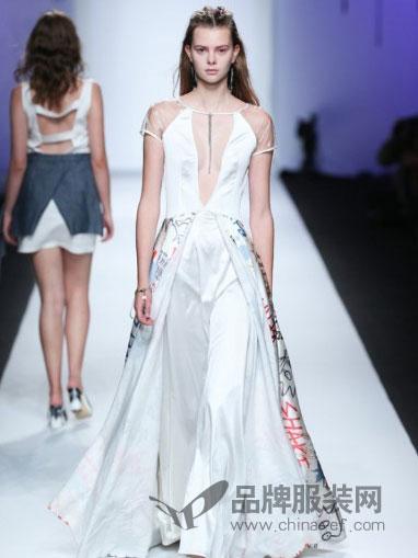 7CRASH女装快时尚小公举连衣裙