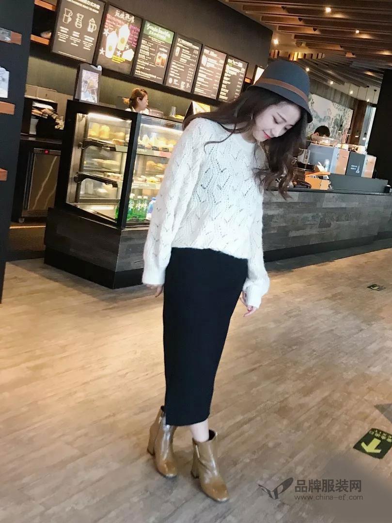 拉格蓓芮女装2018秋冬镂空纯白色毛衣