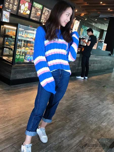 拉格蓓芮女装2018秋冬条纹针织衫