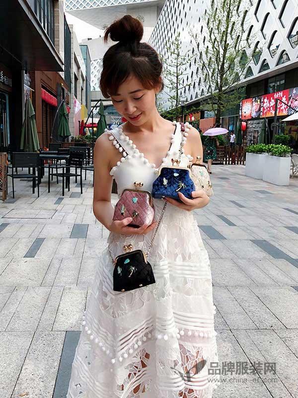 吴小姐的店箱包2018新款迷你手提包