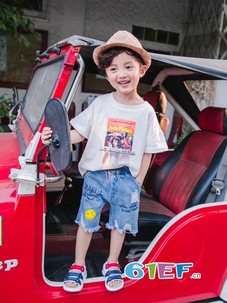 出脚小鱼童装2018春夏儿童T恤衫汗衫小童半袖圆领宝宝短袖T恤