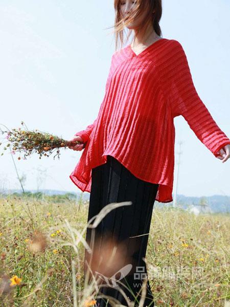 木子衣芭女装2018春夏宽松压皱亮色长袖上衣女红色圆领T恤