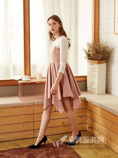 朵以女装2018秋冬百褶裙摆拼接中长款连衣裙