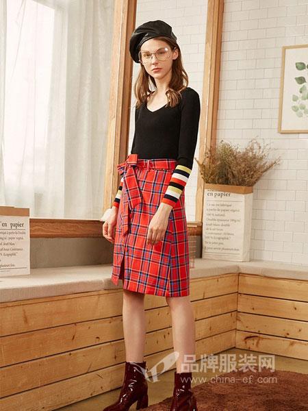 朵以女装2018秋冬新款显瘦修身格纹半身裙高腰中长裙