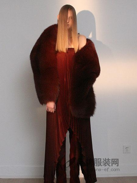 QIUHAO女装纯色毛绒大衣