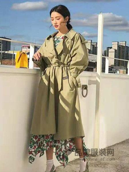 苏柒女装  展现女性素静,简约,温婉美的特质