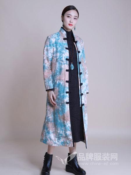 曼茜纱女装2018冬季印花单排扣风衣加厚外套