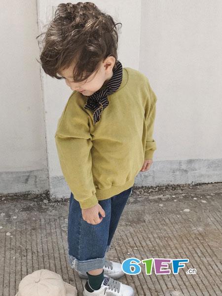 多啦啦童装2018秋冬V领套头纯棉上衣外套英伦