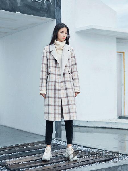 BUKHARA布卡拉女装2018秋冬翻领格子外套