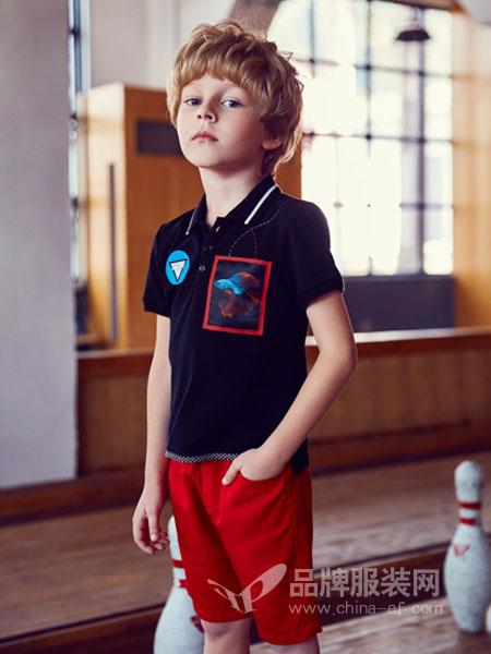 IKKI安娜与艾伦童装2018夏季新款中大童儿童红色黑色翻领T恤