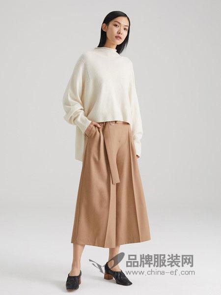 ICICLE女装2018秋冬新款 原色羊绒连领廓形无缝套衫