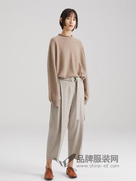 ICICLE女装2018秋冬新款 原色羊绒无缝半高领套衫