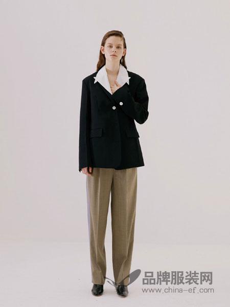 RODERIC WONG女装2018秋冬休闲百搭显瘦纯色长袖西服短款修身外套