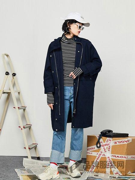 GCCG女装2018秋冬薄款风衣字母印花长款潮牌工装连帽外套