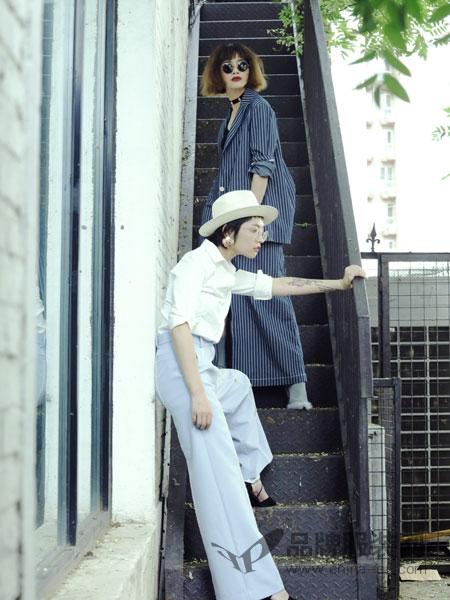 一尺半生EACHBENSON女装2018秋冬纯白百搭衬衫