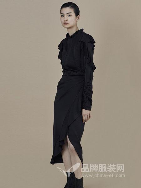 ANIRAC女装2018秋冬黑色连衣裙修身显瘦大裙摆开叉长裙