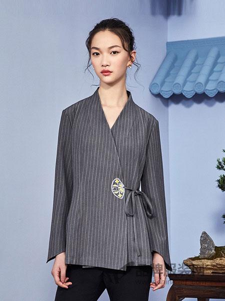 花木深女装2018秋冬休闲女士外套修身高腰短外套