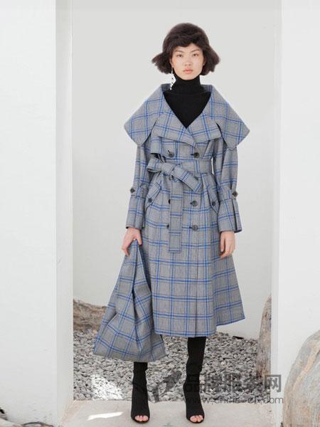 YE.S女装2018秋冬蓝色格纹大翻领双排扣