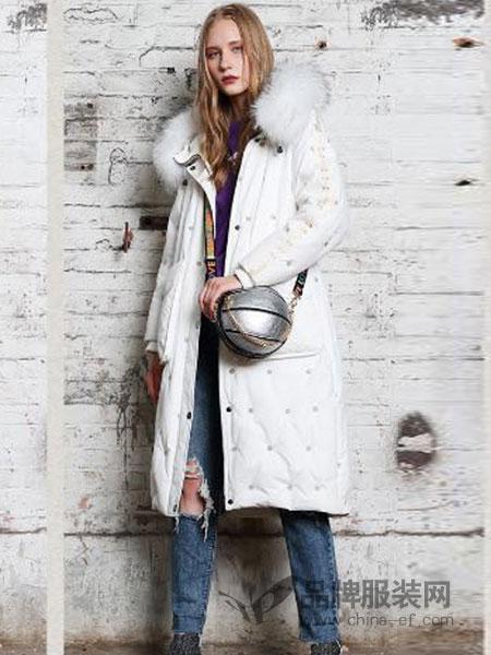 艾莉缇女装2018秋冬毛绒帽白色中长款加绒羽绒服