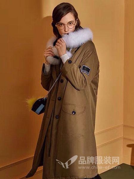 点占女装2018秋冬韩版时尚宽松加厚白鸭绒大毛领外套潮