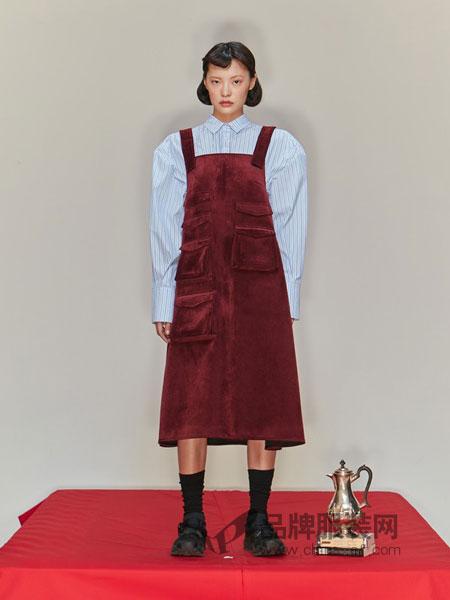 SHUSHU/TONG女装2018秋冬 酒红色藏青色口袋装饰吊带连衣裙