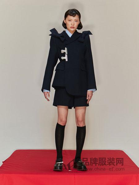 SHUSHU/TONG女装2018秋冬 V领夹子套头针织衫