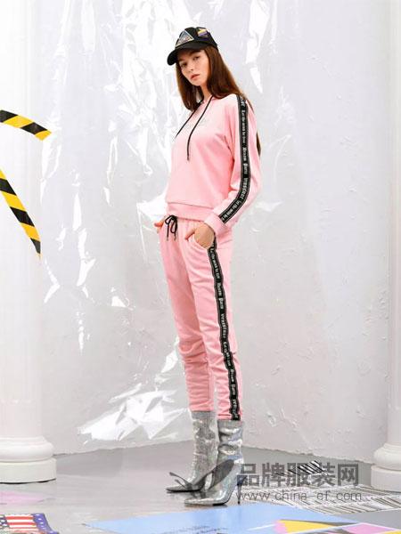 维斯提诺女装2018秋冬加绒侧边拼接织带帽修身休闲运动套装