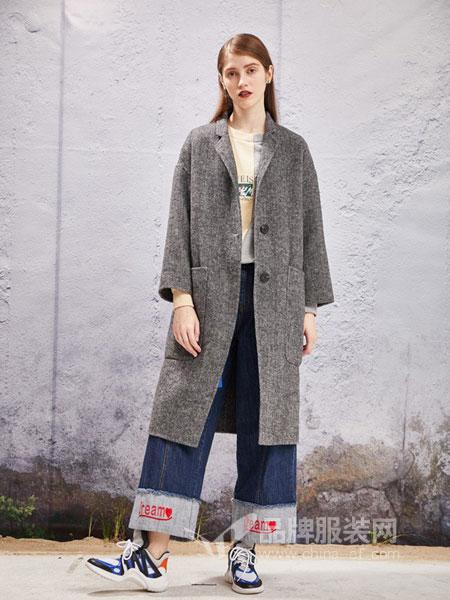 YOSUM衣�漫女�b2018秋冬新款�n版毛�呢面料��松中�L款外套