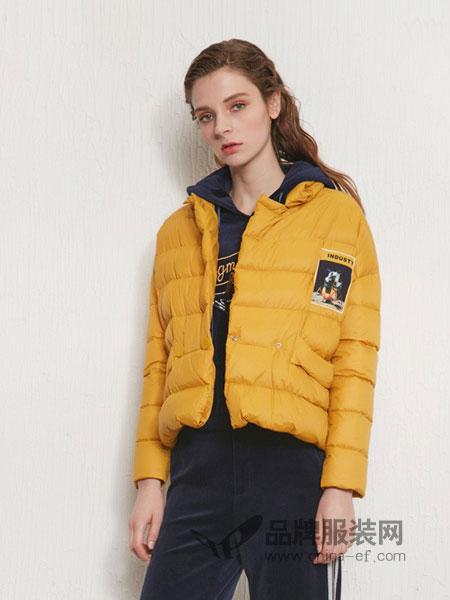 傲丝度女装2018秋冬新款贴布绣花宇航风格短款羽绒服