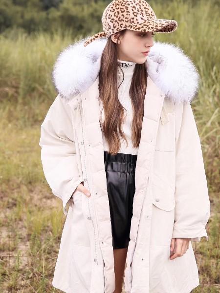 U&V女装2018冬季新品
