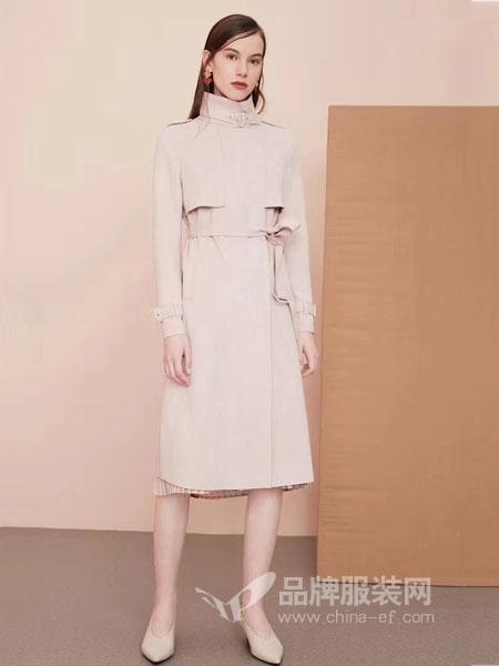 粤韵女装2018秋冬新款立领系腰带双排扣长款风衣