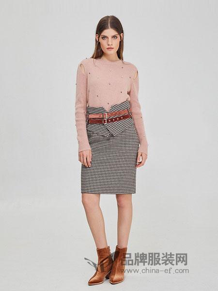 斐格思女装2018秋冬时尚气质钉珠漏肩毛针织衫纯色套头上衣