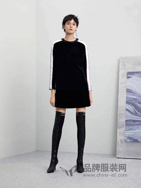五秒女装2018秋冬新款 简约撞色插肩袖字母印花圆领长袖潮