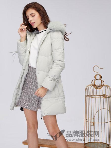 城市衣柜女装2018秋冬修身毛领羽绒服潮流中长款大衣