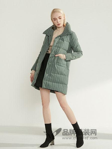 高斯雪岚女装2018秋冬新款休闲条纹外套保暖羽绒衣潮