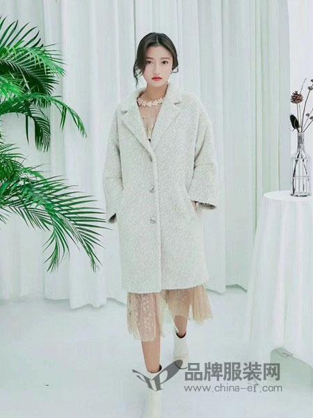 Qstyle女装2018秋冬新款中长款纯色简约单排扣大衣