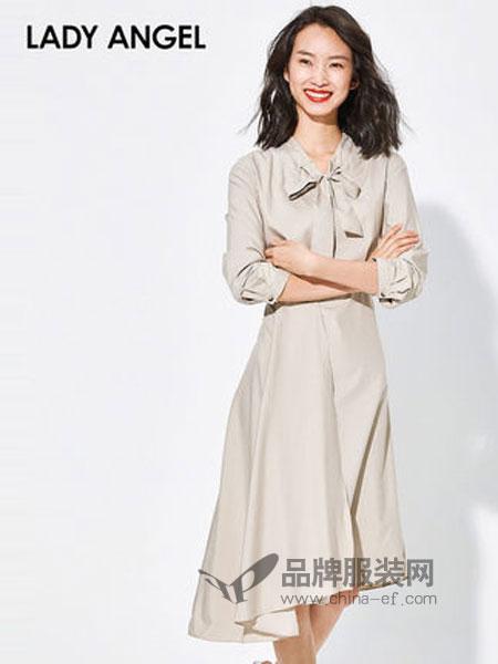 Lady Angel女装女装2018秋冬长袖收腰连衣裙下摆不规则裙