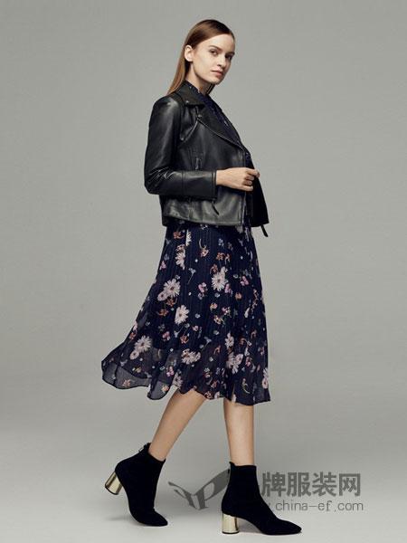 玛丽安玛丽女装2018秋冬新款针织印花连衣裙