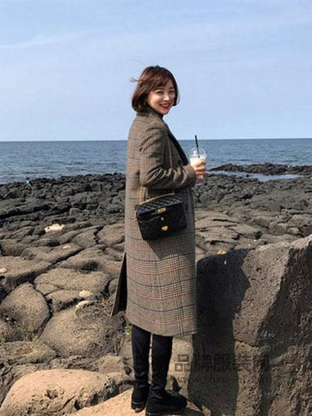 IMVELY女装2018秋冬棕色系格纹经典双排扣休闲长款羊毛妮子大衣