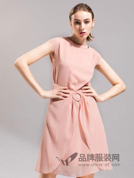 卡佩诺 - KAIPEINUO女装2019春夏浅粉色高腰纯色修身连衣裙