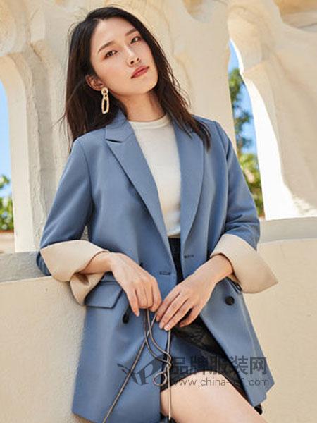 对白女装2019春季双排扣灰蓝色翻领上衣服