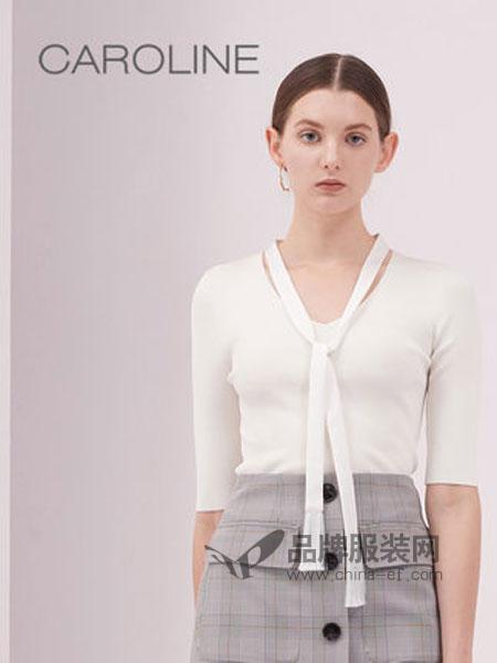 CAROLINE卡洛琳女装品牌2019春季V领修身五分袖系带针织衫