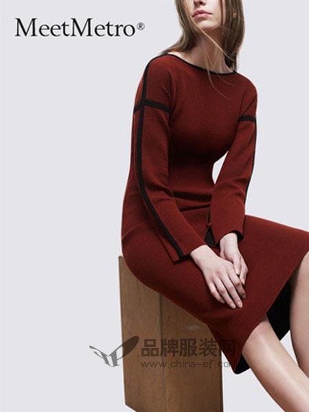 玛依尔女装品牌2019春季打底裙修身中长款毛衣裙