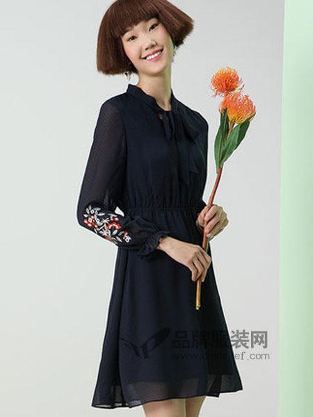 熙世界女装品牌2019春季刺绣中长款连衣裙